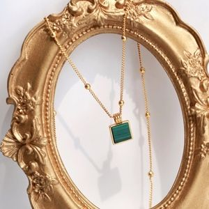 Malachite Beaded Pendent Gold Choker Necklace